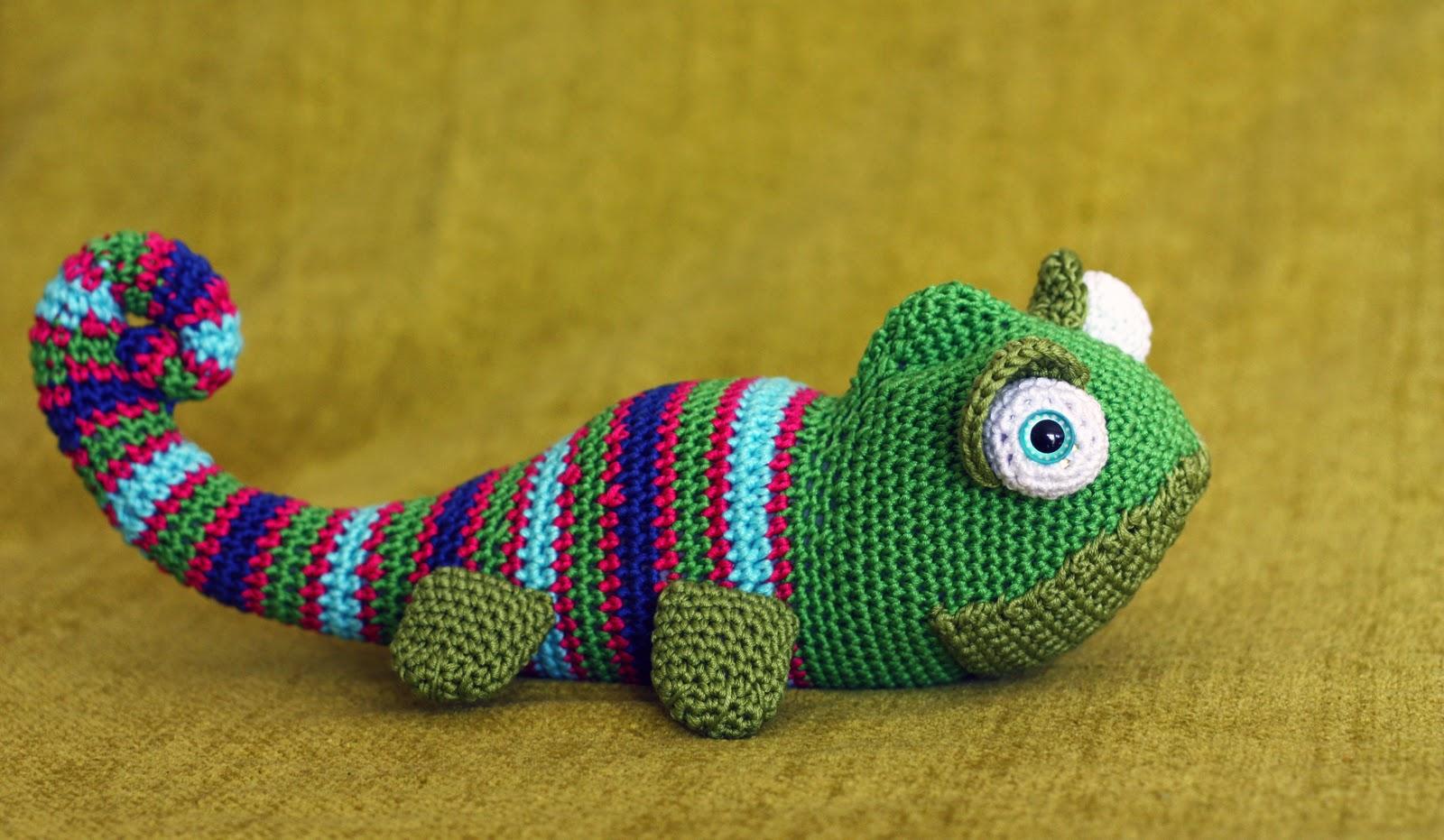 071 Amigurumi snake pattern. Crochet Christmas Snakky toy. Crochet ... | 931x1600